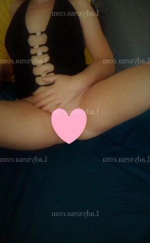Anggun escort girl massage