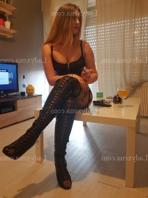 Mounya ladyxena massage escorte girl à Cavaillon
