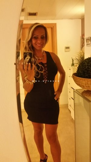 Henrita escort massage ladyxena à Paris 3